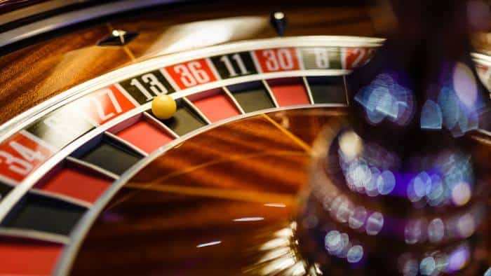 ARTICLE: Why living experimentally beats taking big bets
